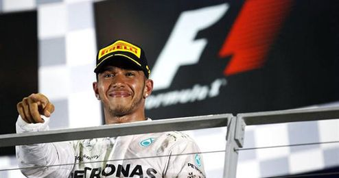 Hamilton ganó su octava carrera de la temporada.