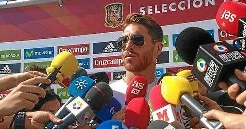 Ramos ante los medios a la llegada a la selección.