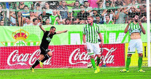 Damien Perquis y Jordi Figueras durante el partido ante el Albacete.