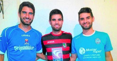 Marcos, Kiki y Edu posaron para ESTADIO vistiendo las camisetas que defienden actualmente; los Padilla Gallardo, una hermandad muy futbolera.