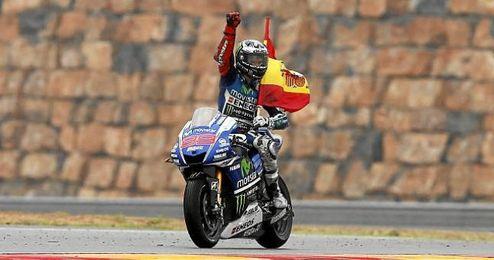 Lorenzo celebrando su última victoria en el GP de Aragón