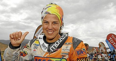 Laia Sanz, piloto española de Honda, durante el Dakar 2014.