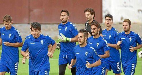 Entrenamiento de la plantilla del Murcia el pasado agosto, previo a la marcha de algunos de sus jugadores.