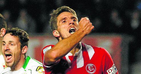 La última visita al Martínez Valero, el curso pasado, se saldó con un 1-1.