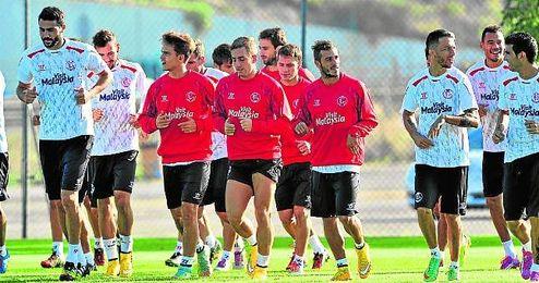 El Sevilla tiene por delante un maratón de partidos.
