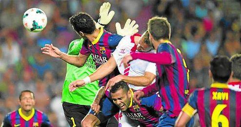 Este gol anulado a Cala por una, aparentemente inexistente, falta a Alves le costó al Sevilla su única derrota.