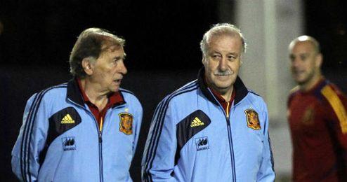 Toni Grande junto a Vicente del Bosque en un entrenamiento de la selección.