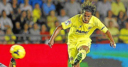 Giovani le marcó al Valencia un gol de vaselina.
