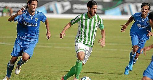 Carlos García, en un partido ante el Melilla esta campaña.