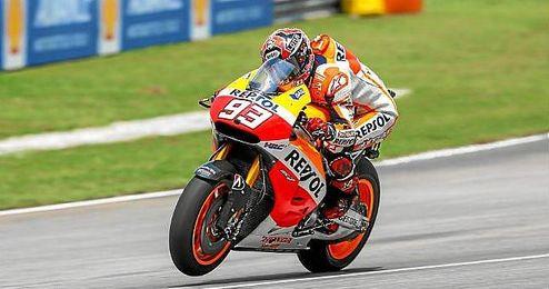 Márquez, rodando sobre el circuito de Sepang.