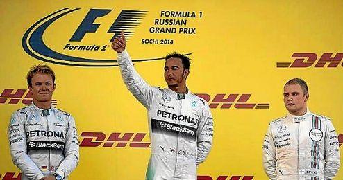 Hamilton comienza mandando, como en Rusia.