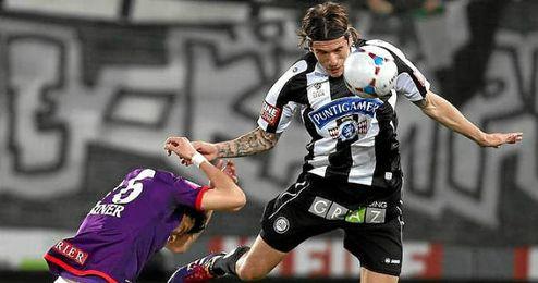 El jugador montenegrino en una acción con su último club.
