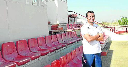 Diego Martínez posa en las instalaciones sevillistas.