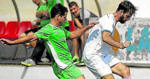 Lance del partido entre Utrera y La Barrera de la cuarta jornada.