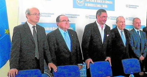 El periodista Carlos Herrera, en el acto de la Federación de Bancos de Alimentos de Andalucía, Ceuta y Melilla.