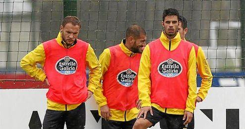 Seoane, Lopo y Juan Domínguez durante un entrenamiento con el Deportivo.