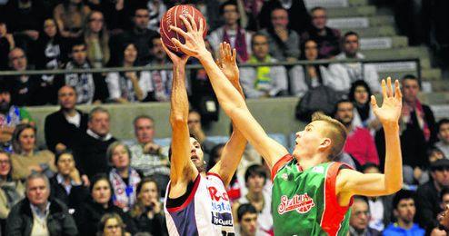 El Baloncesto Sevilla tendrá que defender mejor los lanzamientos exteriores si quiere seguir progresando.