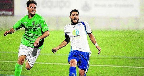 José Luis Mediano Vargas (Alcalá de Guadaíra, 1982) es un fijo en los esquemas de Ureña; el centrocampista cumple su tercer año en el Alcalá.