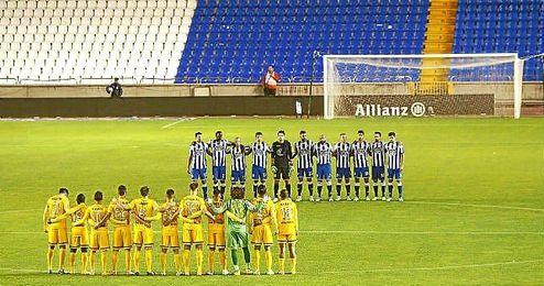 Minuto de silencio en el Deportivo-Málaga