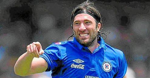A sus 32 años, Pavone sigue celebrando goles con el Cruz Azul.