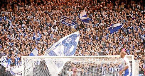 Los Riazor Blues durante un encuentro del Deportivo de La Coruña