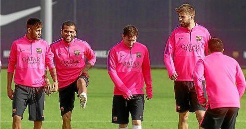 En la foto, Neymar, Alves, Messi y Piqué.