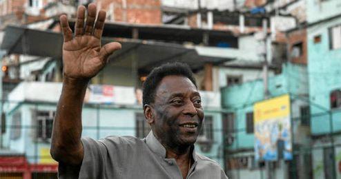 Pelé aún no tiene fecha prevista para su alta hospitalaria.