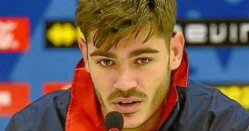 El joven centrocampista fichó el pasado verano por el Rayo.