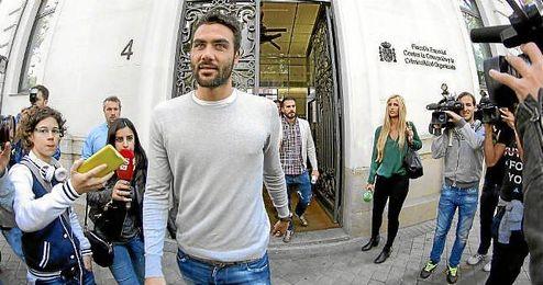 Vicente Iborra a la salida de la Fiscalía.