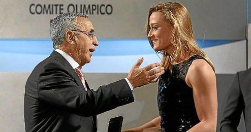 """Alejandro Blanco calificó a Mireia como """"una nadadora universal""""."""