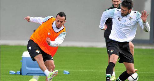 Kadir junto a Xavi Torres en el entrenamiento
