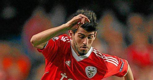Nelson Oliveira durante un partido con el Benfica.