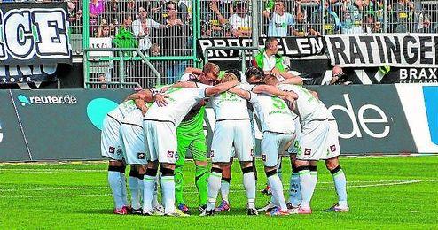 El Borussia Mönchengladbach es un equipo bastante fuerte, sobre todo en su estadio, el Borussia Park.