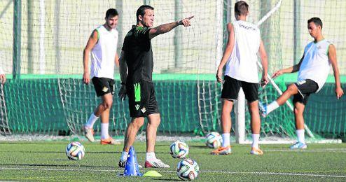Juan Merino regresó ayer a los entrenamientos con el filial.