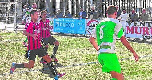 Imagen de la victoria del Cabecense ante el Gerena, hace dos semanas, después de nueve partidos sin ganar.