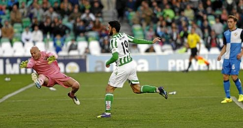 Instante del gol de Jorge Molina.