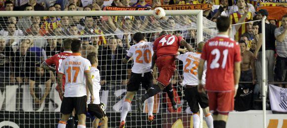 Este cabezazo dejó al Valencia sin final y metió al Sevilla.