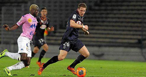 Sertic, en un partido con el Girondins.