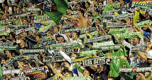 La afición del Betis, denunciada por la LFP