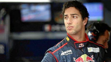 Ricciardo con el mono de Red Bull
