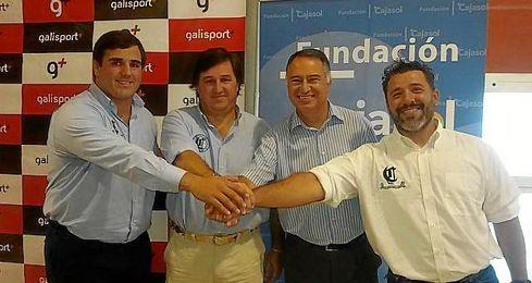 Juan González Marruecos (entrenador), Marco Antonio Caruz (presidente), Paco Gallardo (Fundación Cajasol) y Paco González Pizarro (director técnico).