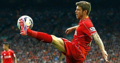 Alberto Moreno es hoy día suplente en el Liverpool.