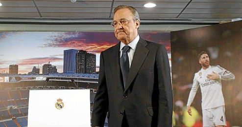 Florentino Pérez, presidente del Real Madrid, durante el acto de renovación de Sergio Ramos.