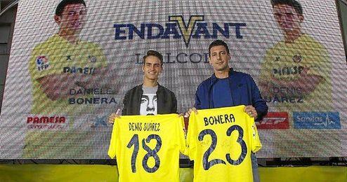 Ambos jugadores durante su presentación con el ´Submarino Amarillo´.