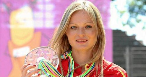 Takacs con la medalla que gan� inicialmente en Ostrava.