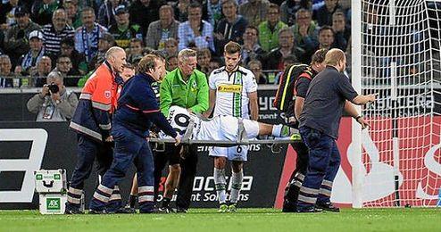 Fue golpeado en la cara por el codo de su compañero de equipo, Havard Nordtveit.