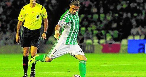 El portuense dio la asistencia de gol a Rub�n Castro.