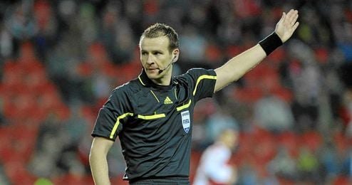 El árbitro checo Pavel Královec dirigirá el debut en la Champions