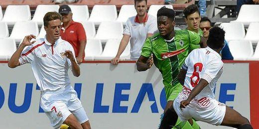Un lance del encuentro entre Sevilla y Gladbach (4-2).