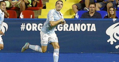 Aspas celebra un gol con el Celta de Vigo ante el Levante.
